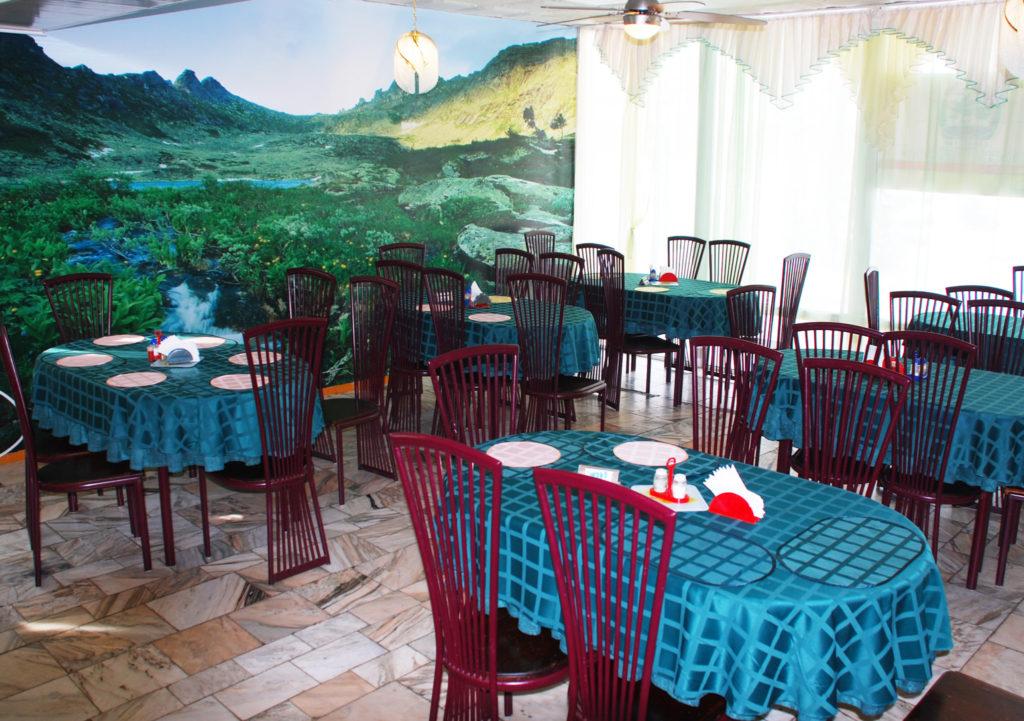 Общий зал столовой санатория «Сосновый бор»